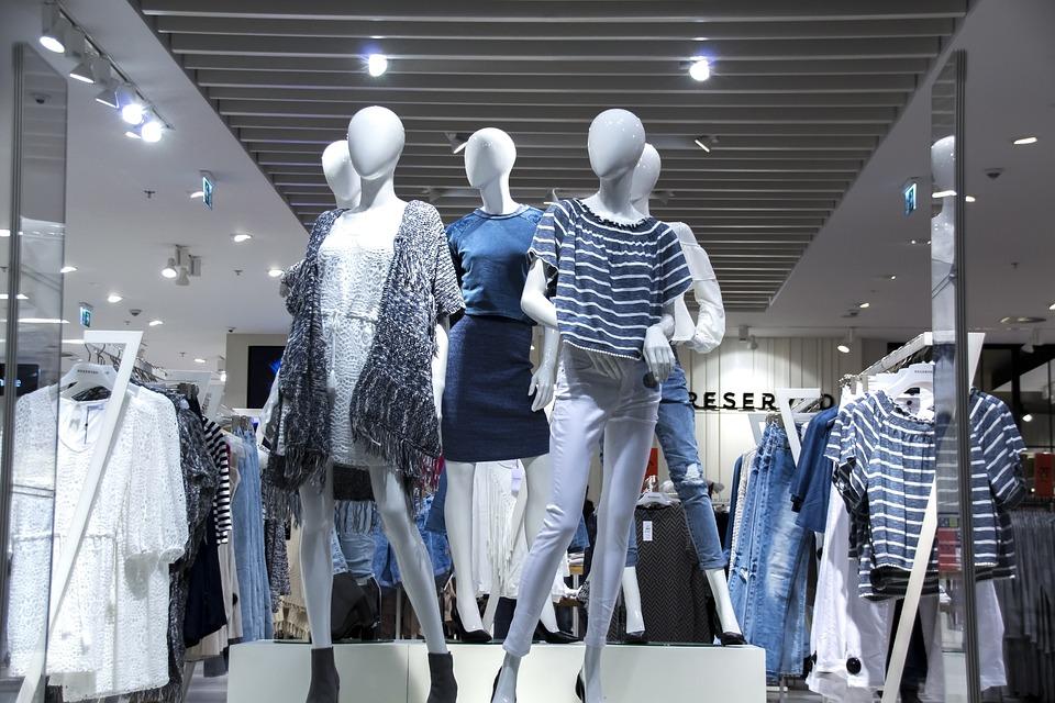 Global women's apparel market